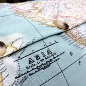 Kussenhoes wereldkaart knopen bruin