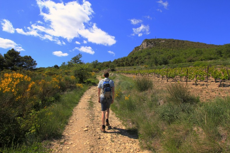 Hiking-through-the-French-Vaucluse-at-Suzette