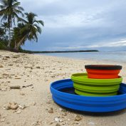 beach-dinnerware-travelling