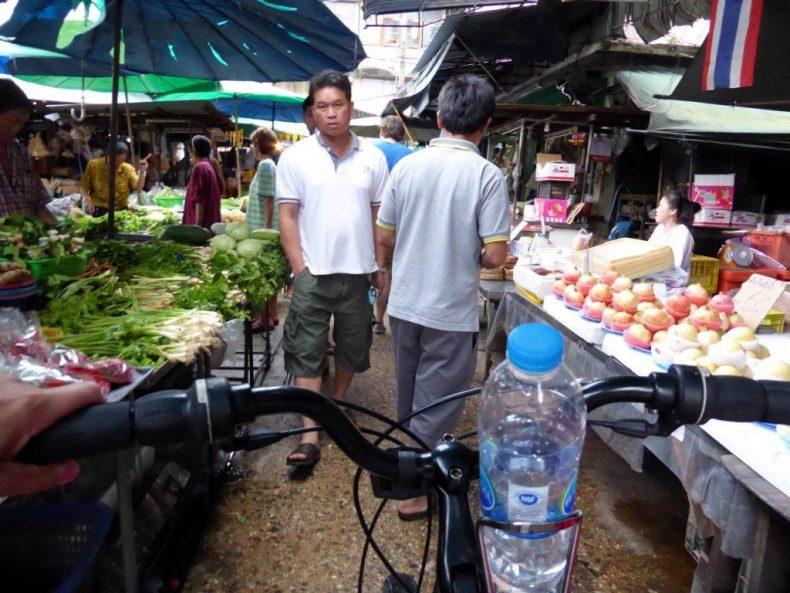 Thailand-Bangkok-cycling-food-markets