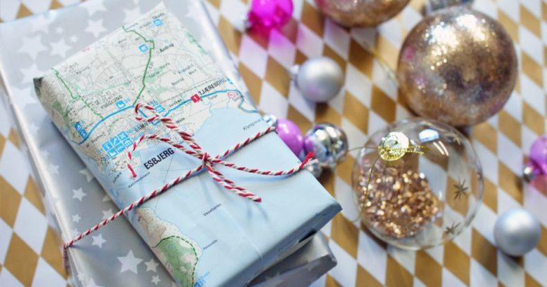 Christmas-present-traveler