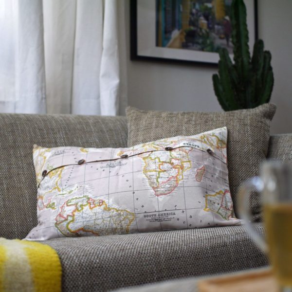 cushion-world-map
