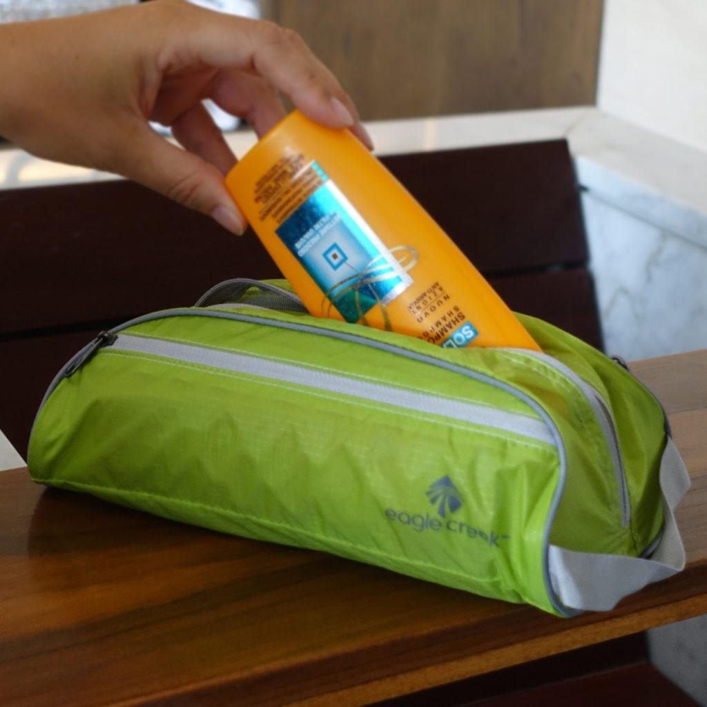 lightweight-toiletery-bag