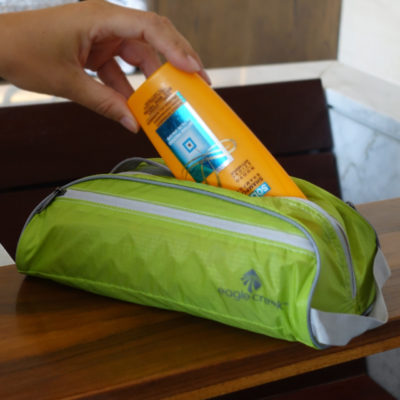 lightweight-toiletery-bag