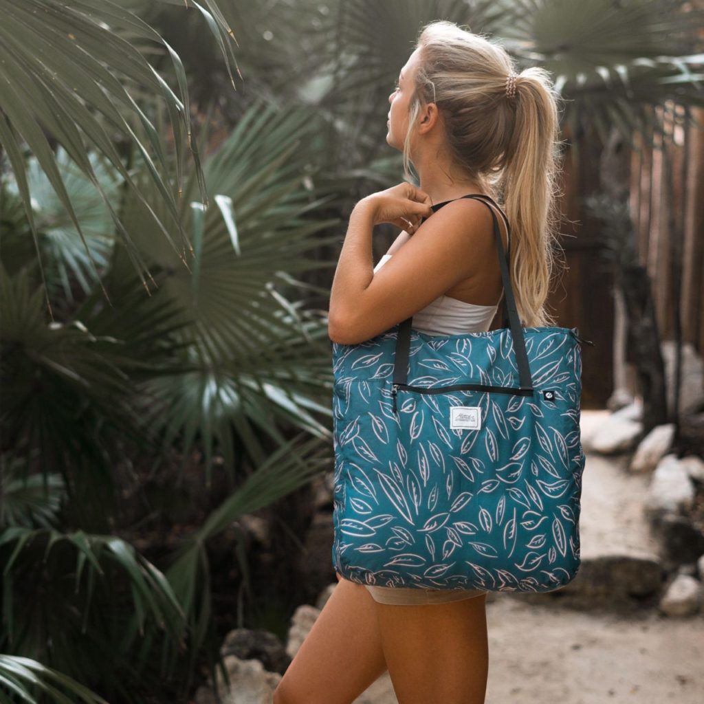 leafs-transit-tote-bag-matador-1024x1024